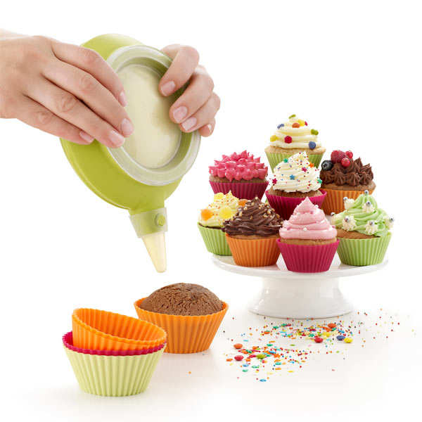 Silicone cupcake kit (cases + Decomax decoration tool + recipes)