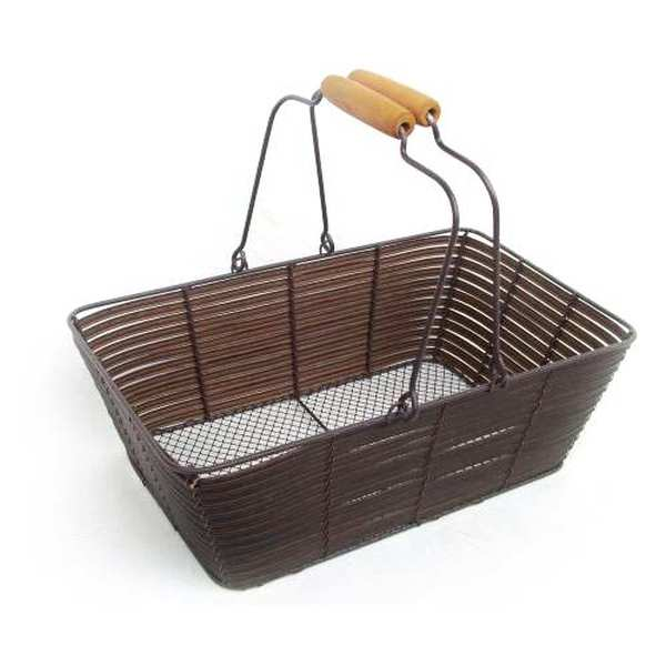 Woven brown basket in metal and synthetic wicker