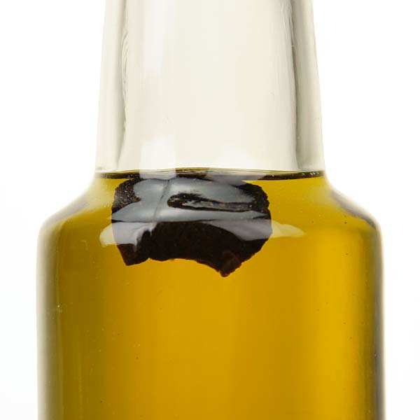 Huile d'olive vierge à la truffe noire avec morceau