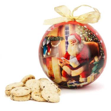Boule de Noël géante en métal peint garnie de cookies au chocolat