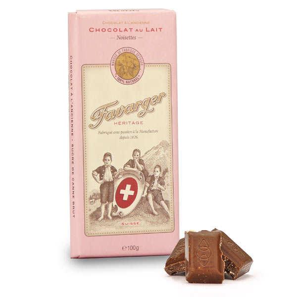 Tablette de chocolat suisse au lait et noisettes