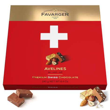 Favarger - Boîte de chocolats croix suisse 24 Avelines originales au praliné - Favarger