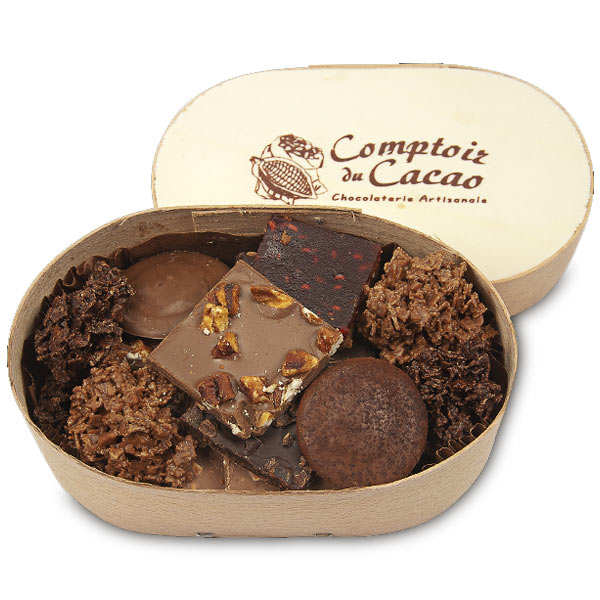 Wood box with chocolat and praliné selection - comptoir du cacao