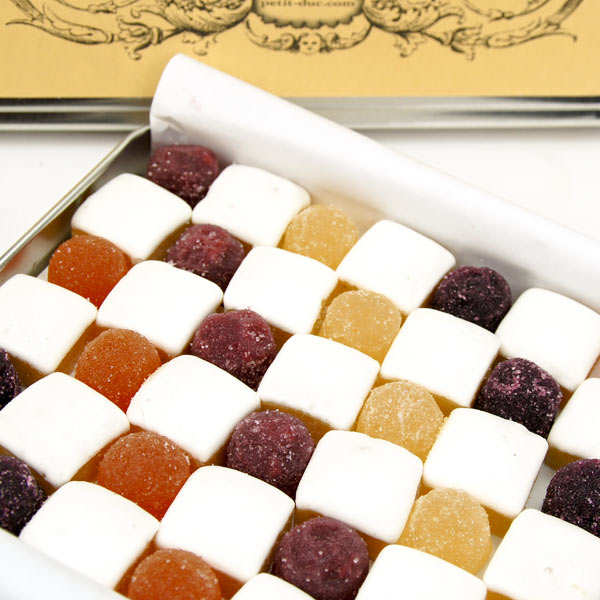 Damier de calissons et pâtes de fruits