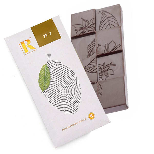 Raw chocolate with 7 spices bar