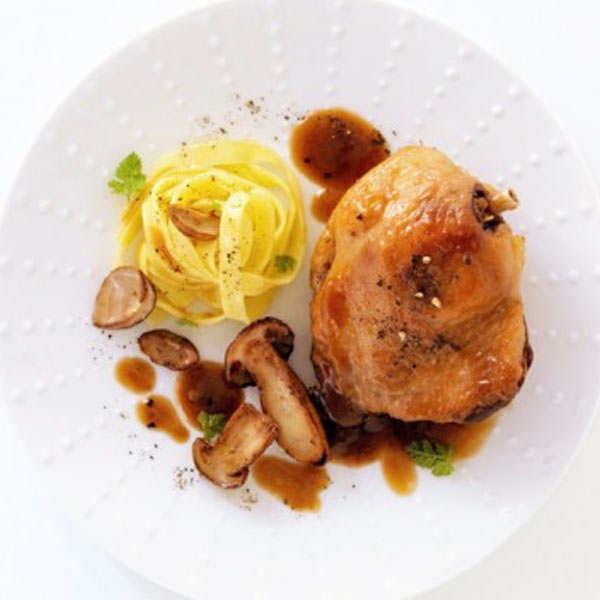 Mitonné de cuisse de canard sauce bordelaise aux cèpes