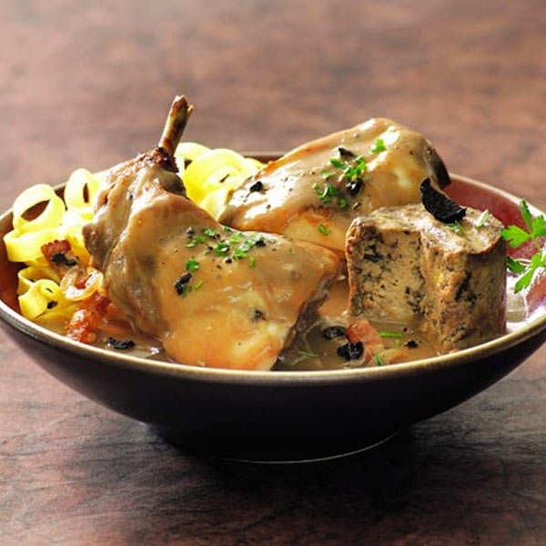 Lièvre et ses farcis au foie gras sauce au jus de truffe