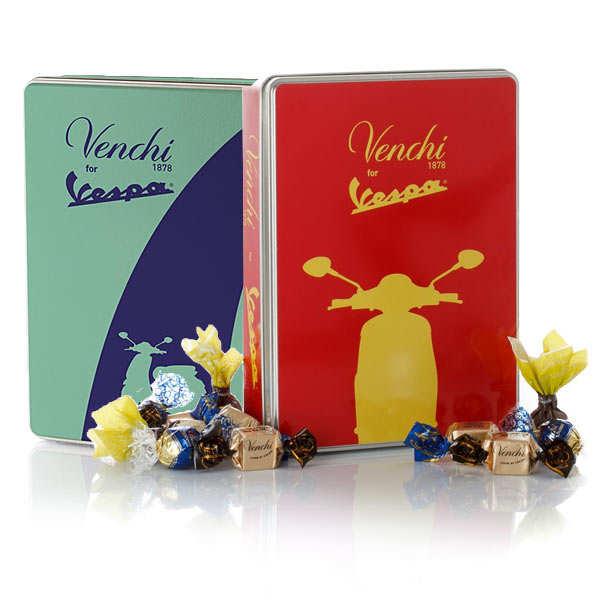 Grande boite métal Vespa et chocolats Venchi