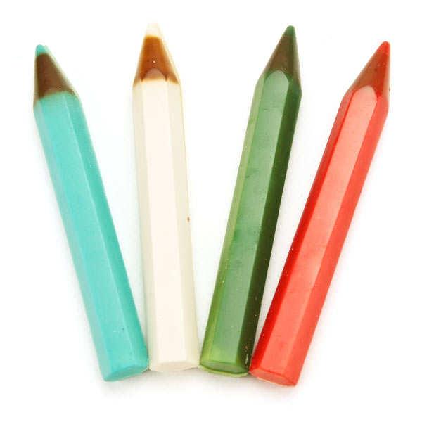 4 crayons de couleur en chocolat au lait