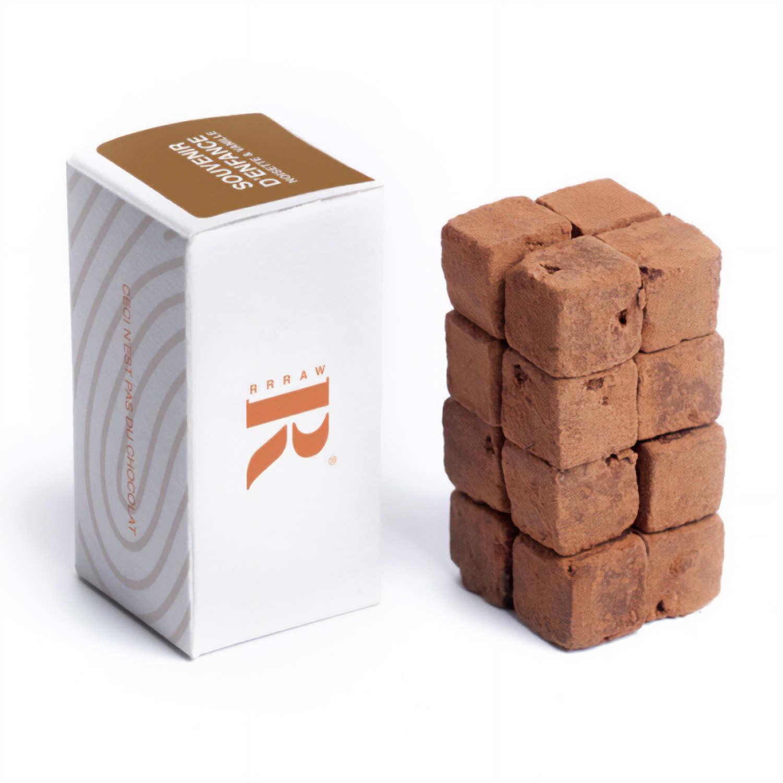 Cubes de chocolat cru à la noisette et à la vanille
