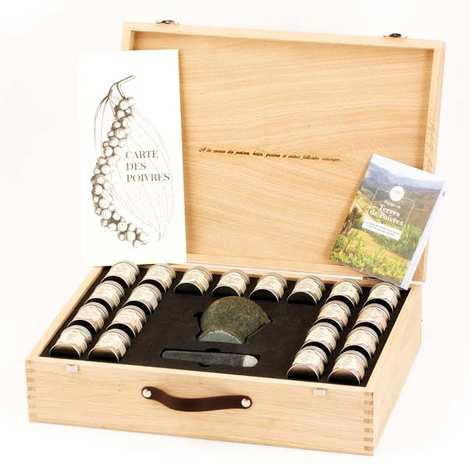"""Terre Exotique - """"A Voyage Through The Pepper Countries """" Case"""