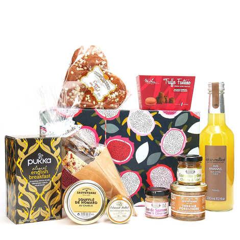 - Gourmet surprise box - 6 month subscription