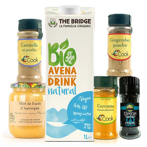 - Golden milk preparation kit