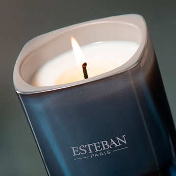Esteban - Bougie parfumée - Ambre et vanille étoilée