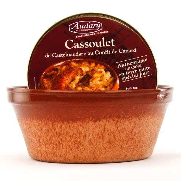 Cassoulet de Castelnaudary au confit de canard et son plat en terre