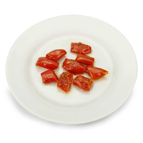 Tomates cerises rouges semi confites à l'huile