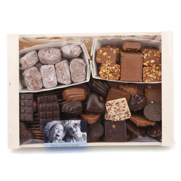 Assortiment de chocolats en cagette bois 720g