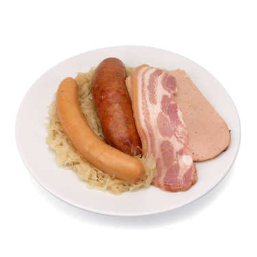 Choucroute d'Alsace cuite à la graisse d'oie avec viande fraîche artisanale