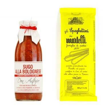 Assortiment de pâtes italiennes et leur sauce bolognaise