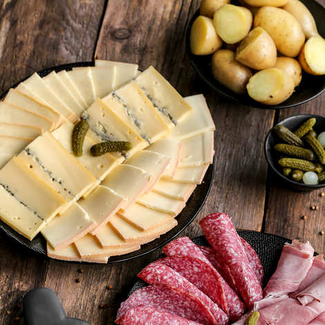 Fromagerie Badoz - Sliced raclette cheese assortment - Plain, ashy and morbier