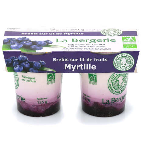 La Bergerie de Lozère - Organic ewe's milk yoghurt on a bed of blueberries