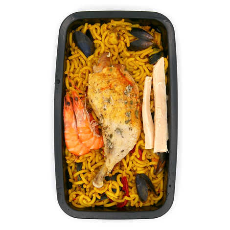 Viaule Traiteur - Fiduea with shrimps, dried and chicken (paella with pasta) - Catering dish