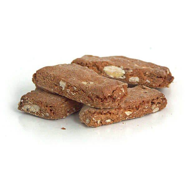 Crunchy biscuits with almonds, walnuts and chestnut flour