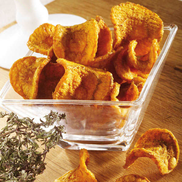 Unsalted organic carrot and thyme chips