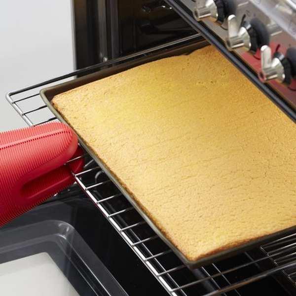 Tapis de four en silicone avec rebord spécial gâteau roulé