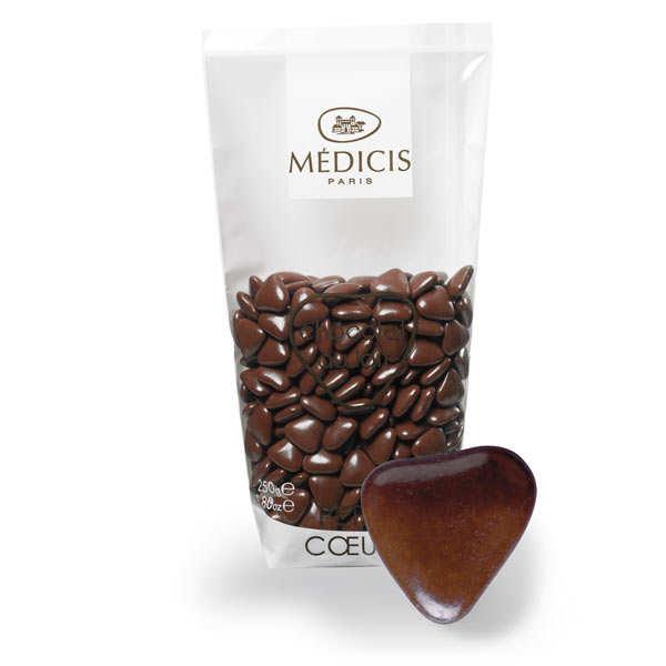 Dragées petits coeurs couleur châtaigne au chocolat au lait