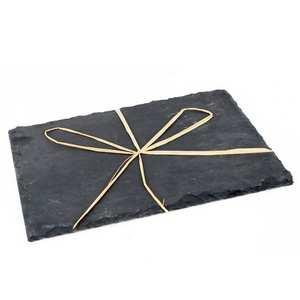 - 2 assiettes ardoise rectangles avec noeud raphia sous film individuel