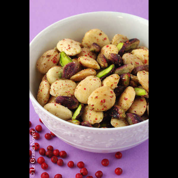 Pistachio and roast almonds with pink peppercorns