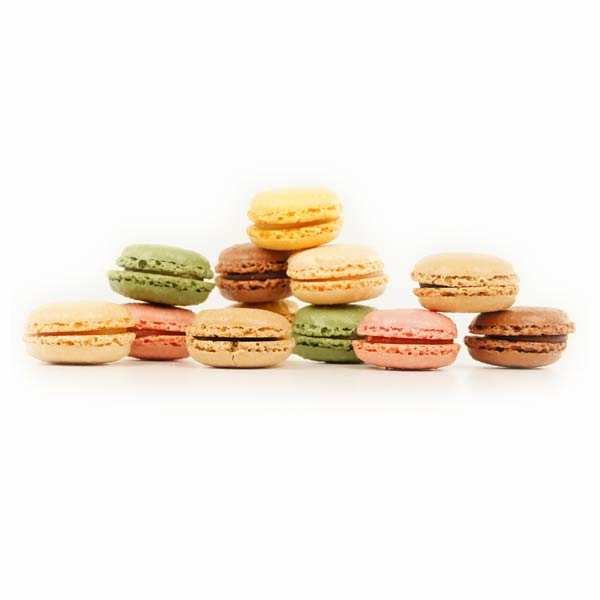 Coffret de 6 macarons assortis (vanille, moka, chocolat)