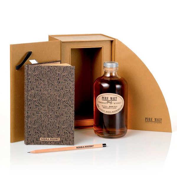Coffret Whisky Nikka Pure Malt Black avec carnet de dégustation - 43%